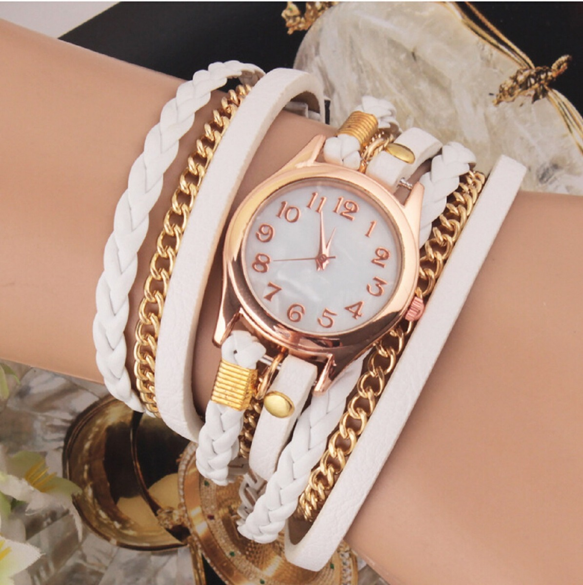 d262964aa0c relógio feminino retro vintage pulseira de couro. Carregando zoom.