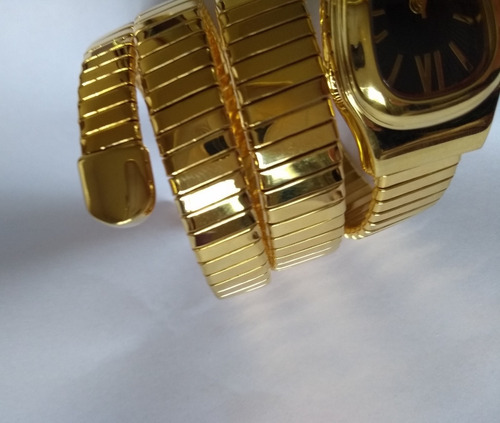 2ff688941df Relógio Feminino Serpente Cobra Dourado Preto Branco Strass - R  799 ...