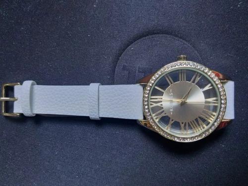 c2932574712 Relógio Feminino Tharros Korres Avon Dourado - R  69