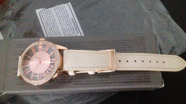 b5902914492 Relógio Feminino Tharros Korres Avon Pulseira Couro Rosa - R  70