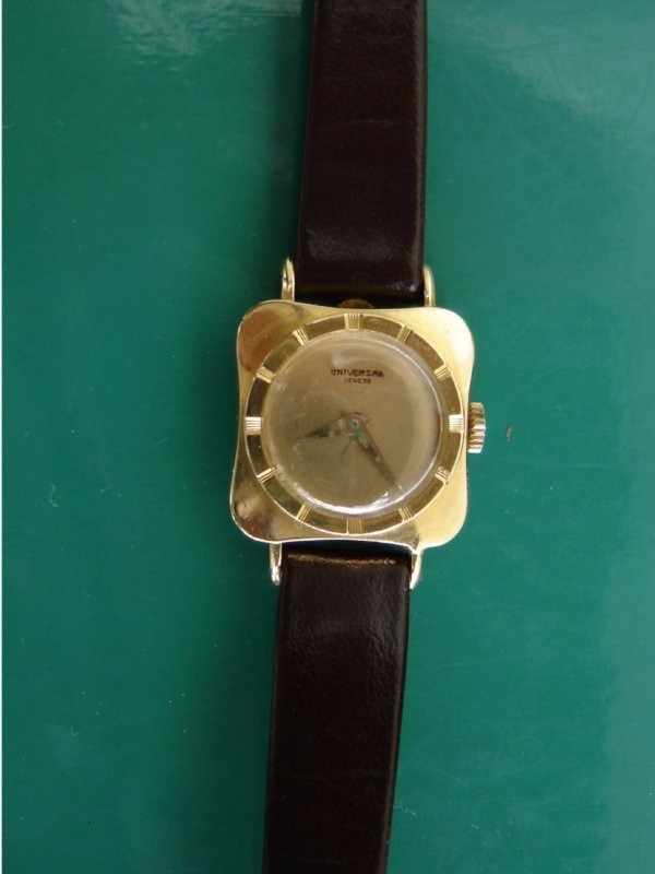 78636ceab21 relógio feminino universal geneve ouro maciço. Carregando zoom.
