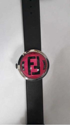 relógio fendi novo.