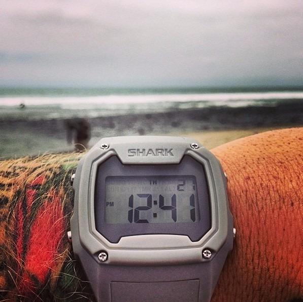 04b389a61a1 Relógio Freestyle Killer Shark Tide Cinza - Surf Lks - R  529