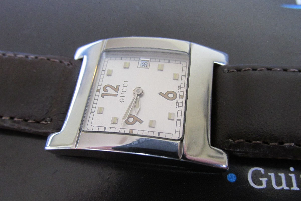 5627f27b52a relógio gucci aço quartzo pulseira de couro feminino. Carregando zoom... relógio  gucci feminino. Carregando zoom.
