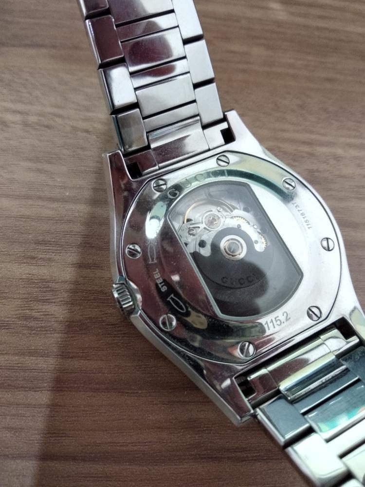 962b100576c relógio gucci original automático não usa bateria. Carregando zoom.