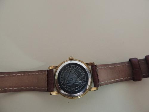 relógio guess feminino vintage dourado pulseira couro lindo
