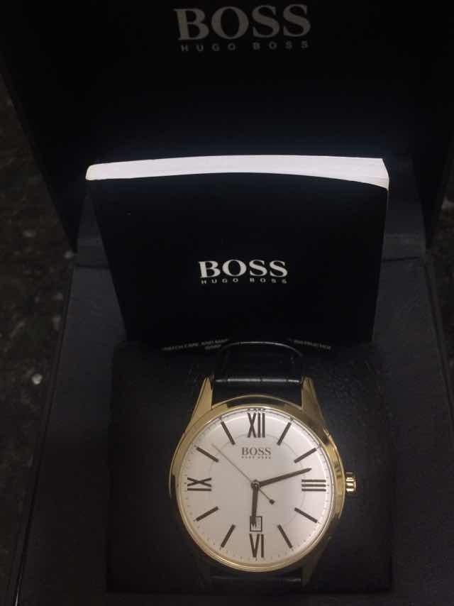 50e07aff638 relógio hugo boss dourado genuine leather. Carregando zoom.
