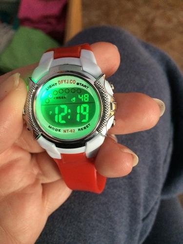 relógio infantil de pulso crianças com led modelo esportivo