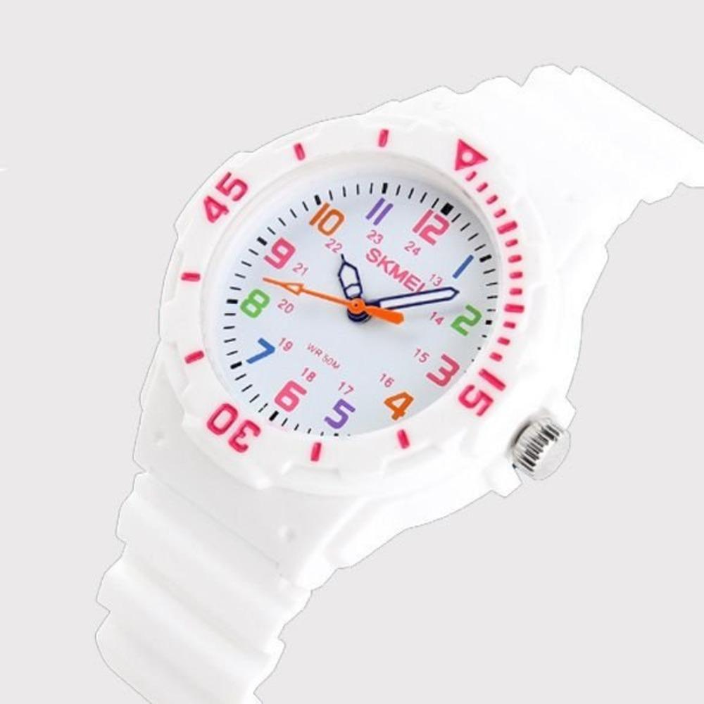 3ef2f6367b1 relógio infantil skmei 1043 analógico branco com nf. Carregando zoom.