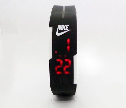 relógio led digital preto pulseira silicone/ 2 baterias