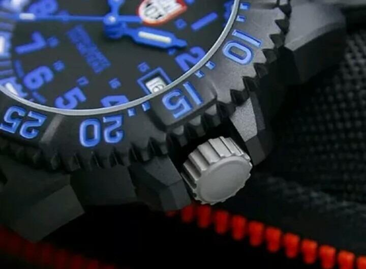 eaf044f2a3b Relógio Luminox A.3053 Navy Seal Colormark 3050 Series 200m - R ...