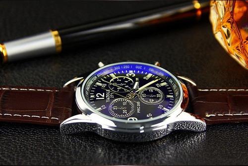 dba2d1a0a8c Relógio Luxo Masculino Yazole Pulso Social Pulseira Couro - R  48
