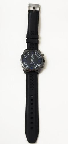 relógio masculino adidas preto com detalhes em azul