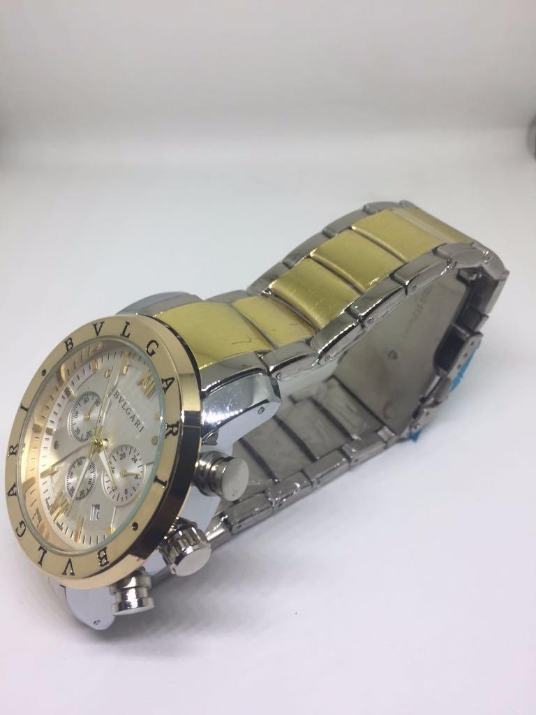 d1b6fdbcd4b Relógio Masculino Bvlgari Prata E Dourado Réplica - R  160