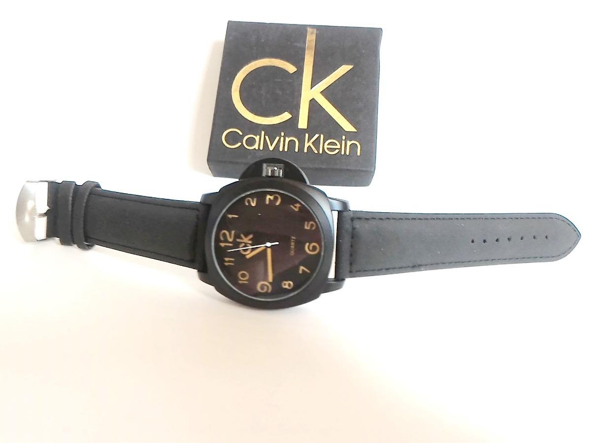 e690aa787e2ea relógio masculino ck pulseira em couro + correntinha. Carregando zoom.