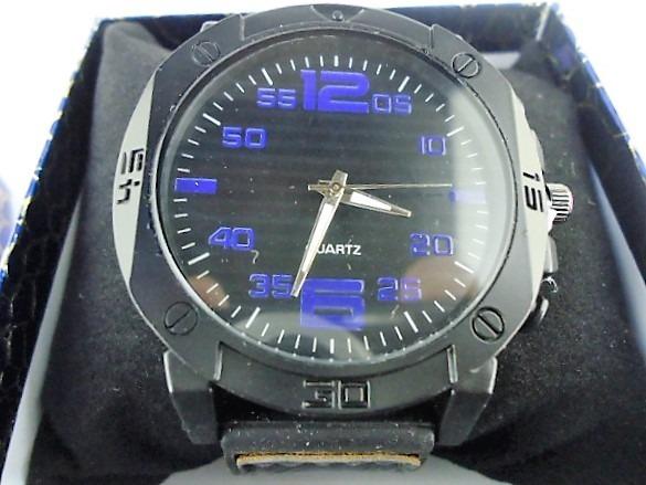 d5604da40ac Relógio Masculino Esportivo Quartzo Pulseira Couro Estojo - R  49