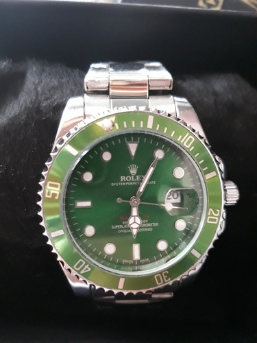 relógio masculino na caixa