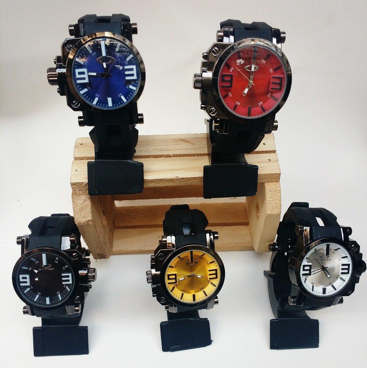 5666e068c3b Relogio Masculino Oakley Gearbox Titanium Kit Com 2 Relogios - R  79 ...