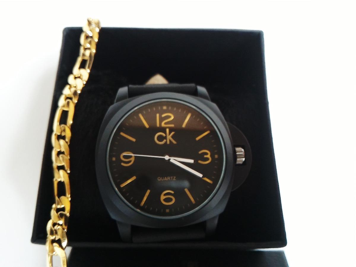 3237e439cb0d3 relógio masculino preto pulseira caramelo + correntinha. Carregando zoom.