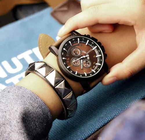 53fde150360 Relógio Masculino Yazole 322 Social Couro Barato - R  84