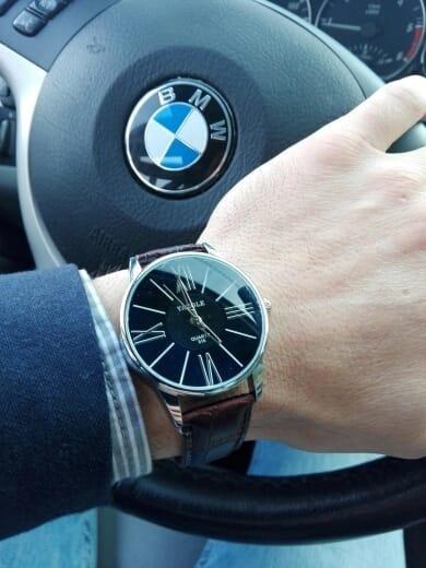 ad1c044a52b Relógio Masculino Yazole Pulseira Couro Preta Quartzo Barato - R  34 ...