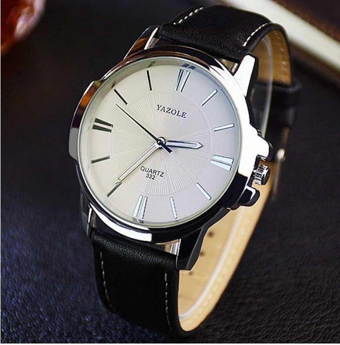 3d9618c9f11 Relógio Masculino Yazole Pulseira De Couro Fundo Branco - R  44