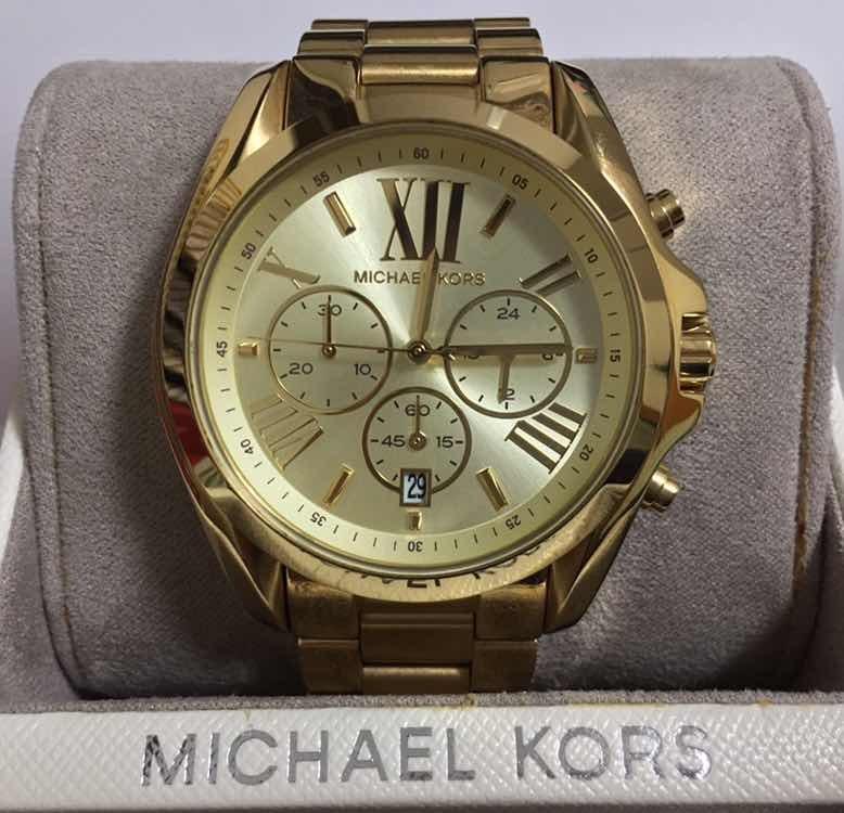 7d0232e7028c6 Relógio Michael Kors Bradshaw Omk5605 z - R  795