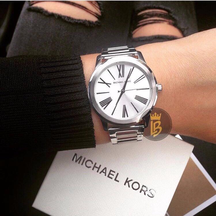 3869fa683593c Relógio Michael Kors Prata Mk3489 Romano Prata Novo - R  699,00 em Mercado  Livre