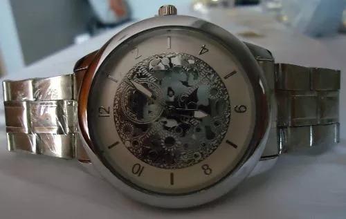 1dbfffb3666 Relógio Mryes Scuba Branco Esqueleto Pulseira Série Prata - R  80