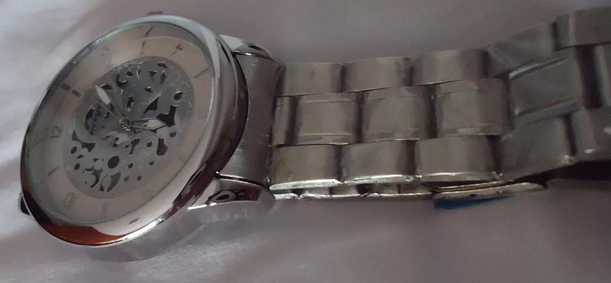 45256debf8c relógio mryes scuba branco esqueleto pulseira série prata. Carregando zoom.