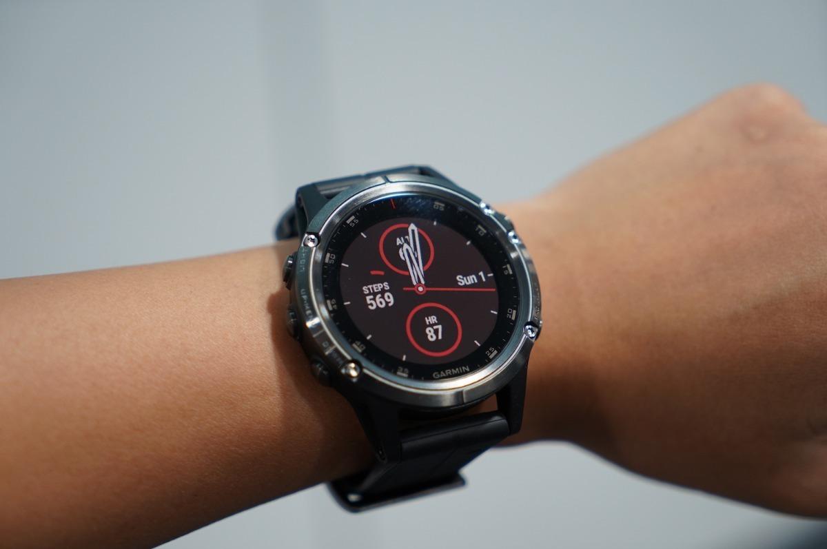 0d41b21a6c1 relógio multiesportivo garmin fenix 5 plus safira preto. Carregando zoom.
