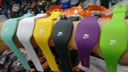 9600ad4e70b Relógio Nike Esportivo Led Watch Várias Cores Atletas Fitnes - R  49 ...