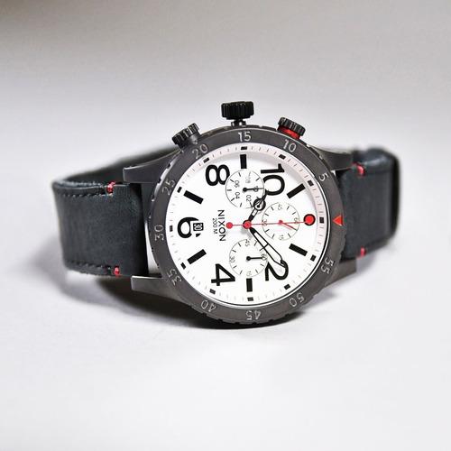 relógio nixon 48-20 chrono leather