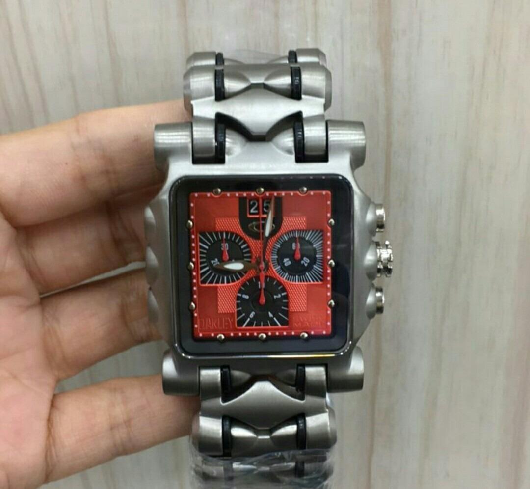 5e51c5431adcb relógio oakley tank minute machine titanium fundo vermelho. Carregando zoom.
