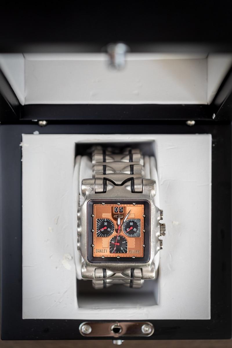 dfeb3f8b3a9ec relógio oakley time tank minute machine na caixa original. Carregando zoom.