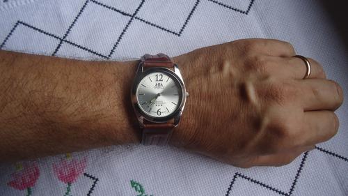 relógio oremte  estilo orient quartz masculino novo