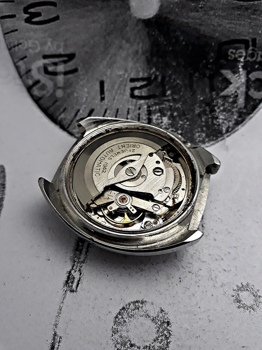 4b643357aba relógio orient automático máquina 1942 de 200 por 100 reais. Carregando zoom .