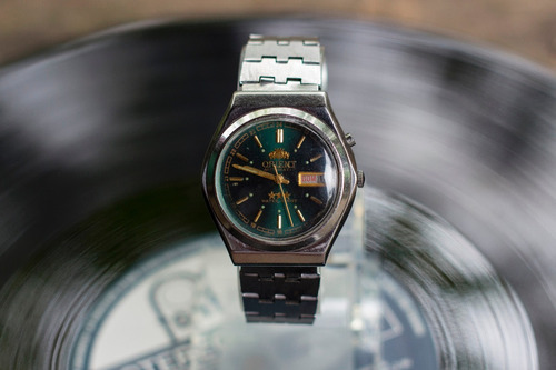 relógio orient mostrador verde  40x36  n 35