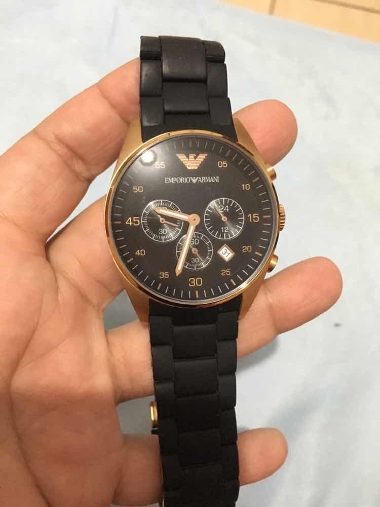 be513561763 Relógio Original Armani - R  200