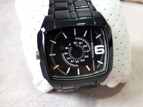 relógio original diesel preto no formato quadrado