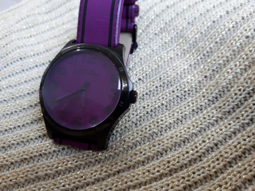 relógio original marc jacobs preto e roxo com pulseira couro