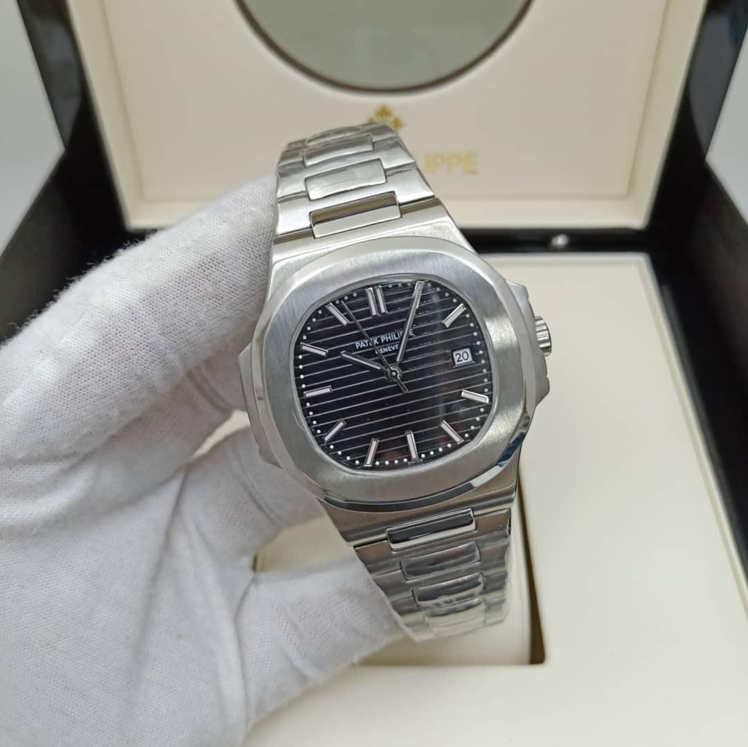 6a1bac584fa Relógio Patek Philippe 5711 1a-010 Nautilus - Aço Inoxidável - R ...