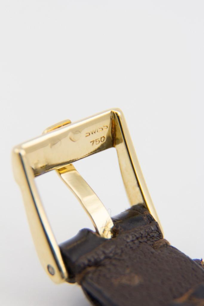 6c3313bc16b relógio piaget em ouro 18k oval - feminino. Carregando zoom.