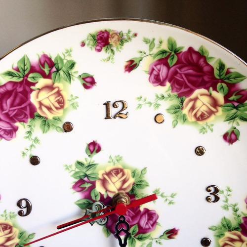 relogio porcelana - rosas