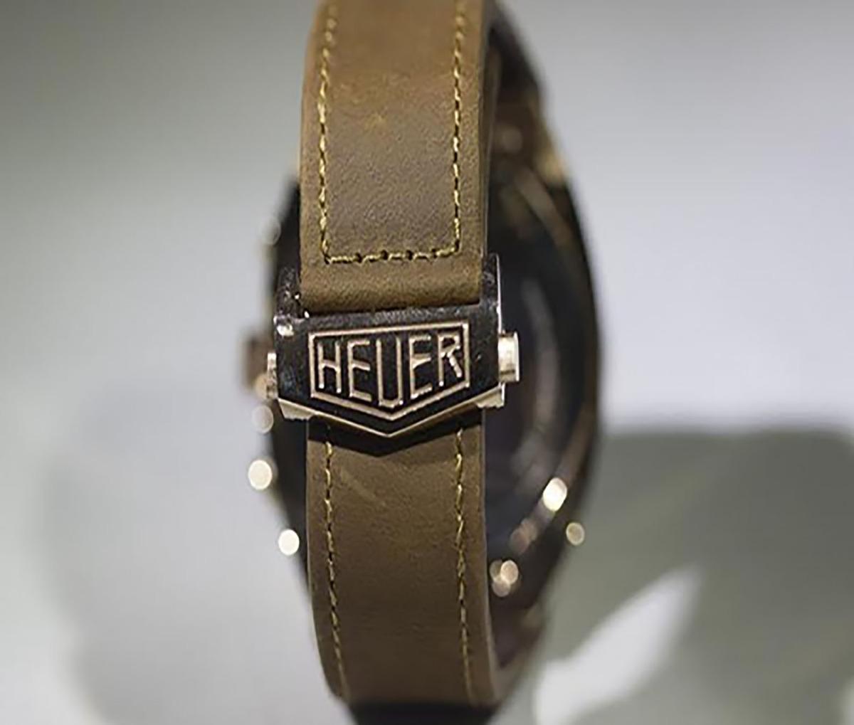 ff23a51a005 relógio prateado fundo branco johnny walker pulseira couro. Carregando zoom.