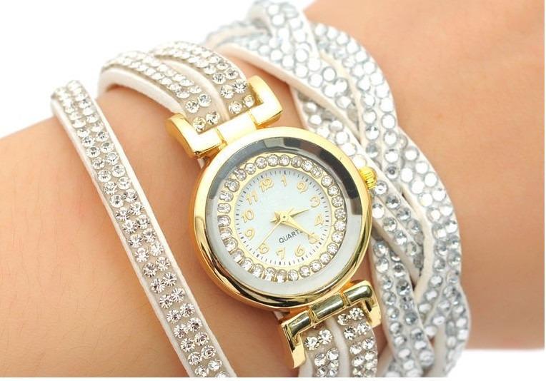 77f1042a1d8 Relógio Pulseira Feminino Strass - R  29