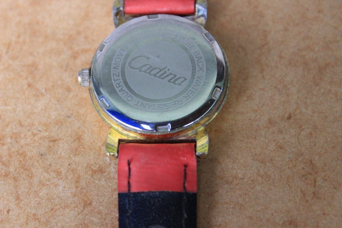 88c14fa37b9 Relógio De Pulso Cadina - No Estado - R  40
