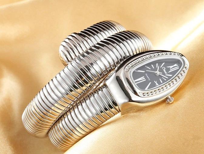 910516c850a relógio pulso feminino serpente cobra preto cussi promoção · relógio pulso  feminino