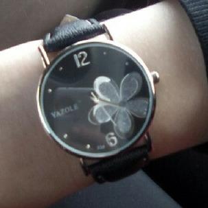 4714228670b Relógio Pulso Feminino Mulher Flor Luxo Yazole - R  45