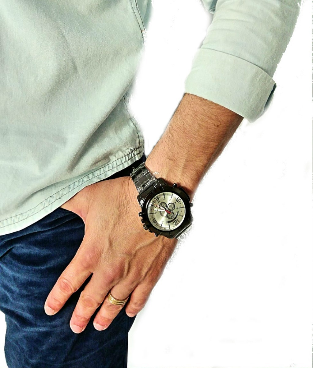 e4aa6b3f9b2 Relógio De Pulso Analógico Preto Masculino Luxo Esportivo - R  39